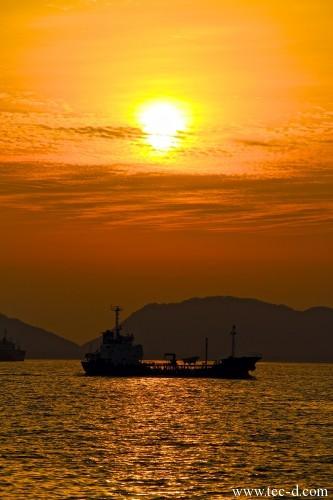 徳山港に沈む夕陽